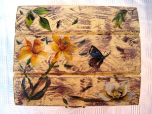 cofanetto in legno decoupage, visto dall'alto